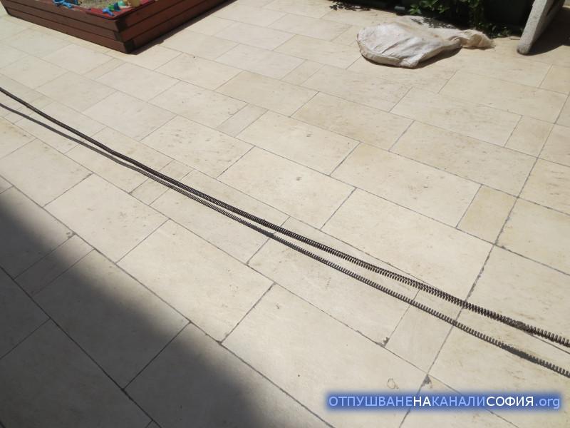 Разкачихме няколко спирали, тъй като до хоризонталния щранг, разстоянието е 6-7 метра. Под сифона имаше 2 подземни етажа гаражи.